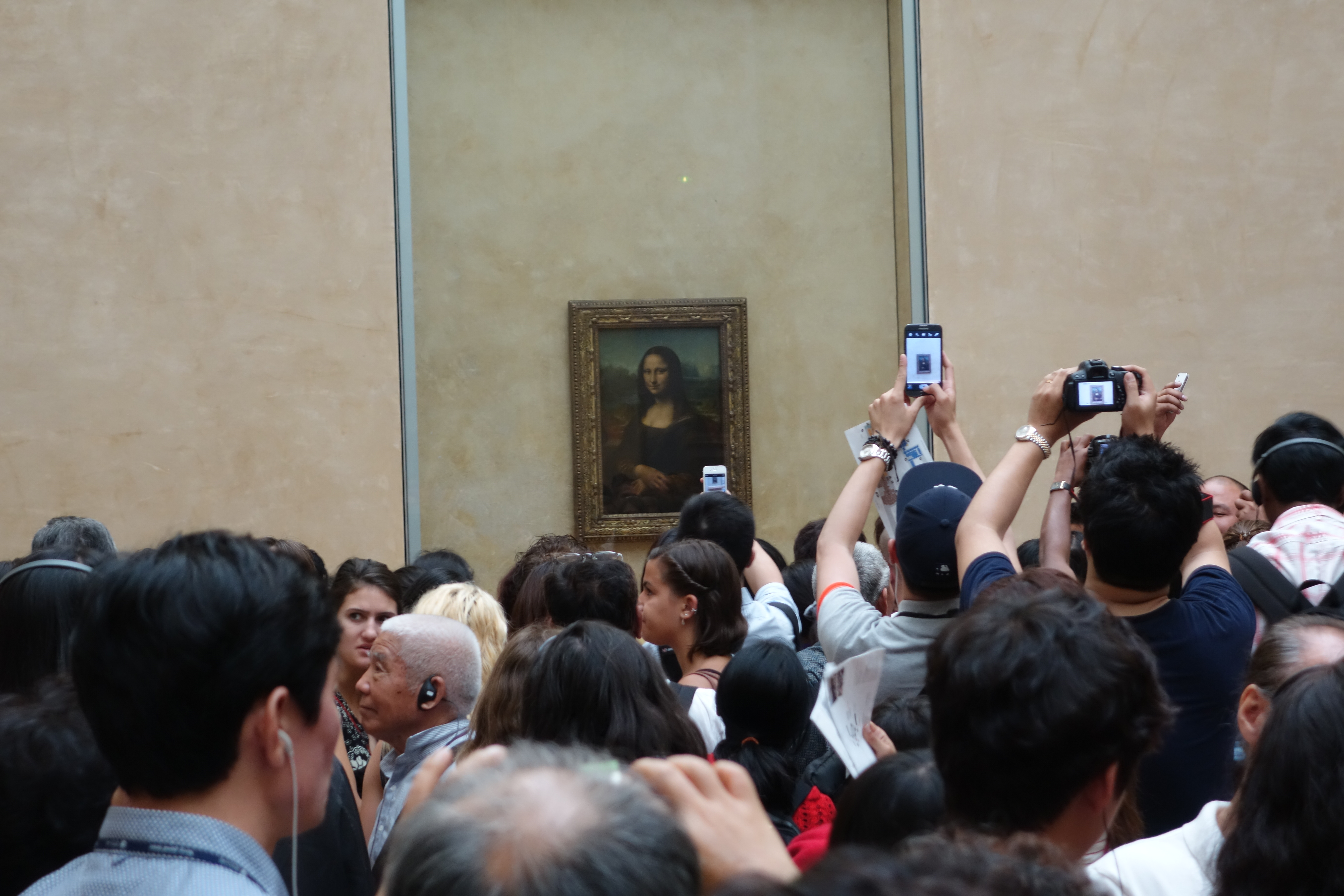 witness the mona lisa the queen of visual kitsch rule the mona her come hither looks is forever a siren beckoning tourists to the crush to the horror of invisibility since we are all nobody in comparison